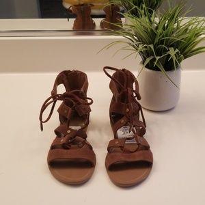Beautiful dolce vita vegga gladiator sandals 🎆🎆